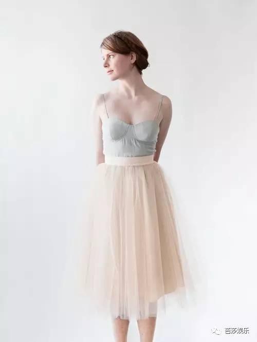 安以轩 选件小婚纱做嫁衣,谁说婚纱一辈子只能穿一次!