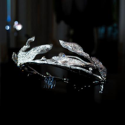 CINDY CHAO The Art Jewel �C 2017年巴黎艺术珠宝展 当代高级珠宝的领导品牌 崭新设计手法与工艺技术,经典再演绎,重新赋与珍稀宝石生命与价值