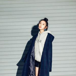 张天爱、唐艺昕、张钧甯、欧豪身着ERDEM x H&M 设计师合作系列