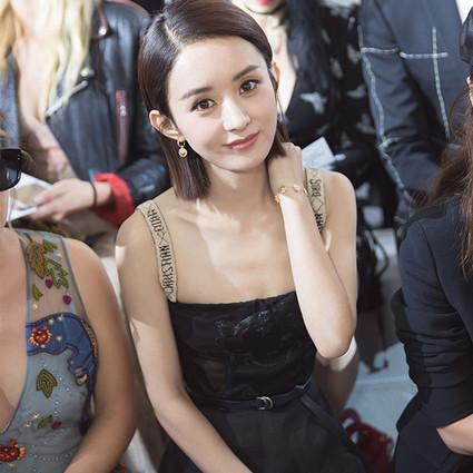 Dior带赵丽颖王子文寻宝,梦回六十年代演绎女性力量的崛起!
