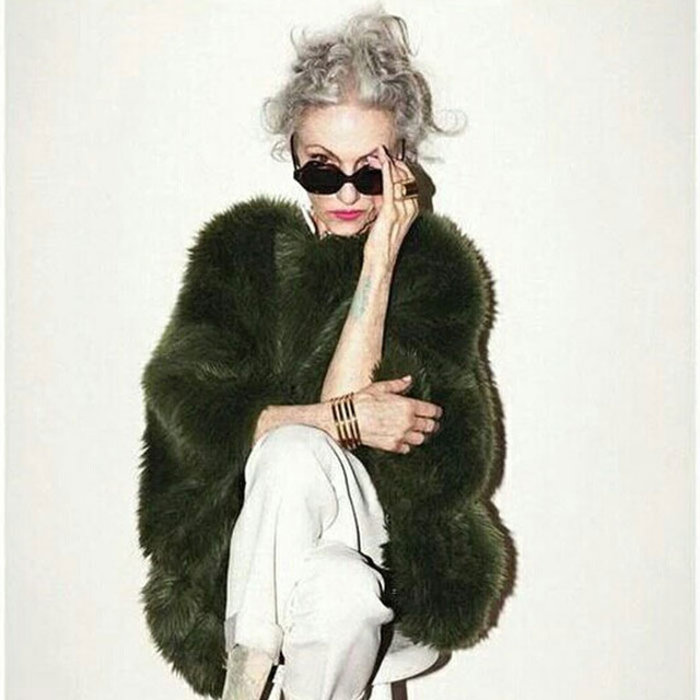 """赵雅芝林青霞也信奉她的时尚秘籍,优雅的老去依旧""""秒杀众生"""""""