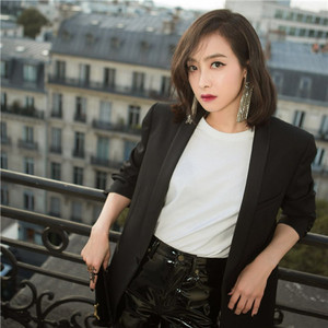巴黎铁塔下,Saint Laurent,宋茜和你有一场盛大的约会!