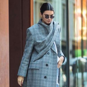 宋茜和戚薇都穿什么外套过冬?是不是配上街拍达人的阔腿裤就很高?