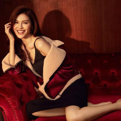 超模何穗首任嘉宾设计师,与时尚品牌伊芙丽打造联名系列演绎冬季时尚