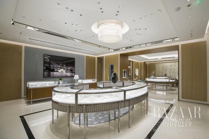 全新蒂芙尼无锡专卖店内呈献华美的珠宝系列