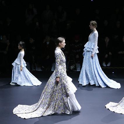 载誉归来,亲子女王再登中国国际时装周