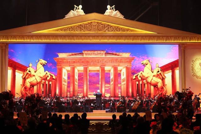 中国全球音乐教育协会呈献《照亮你生命·世纪音乐盛宴》刘诗昆孙颖倾力策划慈善音乐会  政商文化领袖云集支持