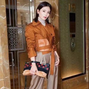 约会刘涛巴黎时装周72小时,看这个元气女人千变万化的美