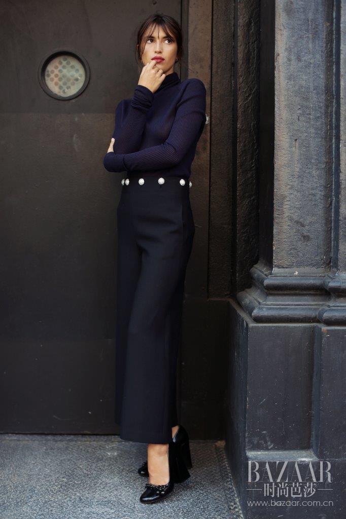 Jeanne Damas in Tory Burch5
