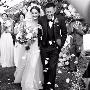 余文乐新婚,用8年教会我们爱情的张志明也终于找到自己的爱情!