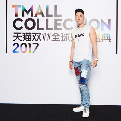"G-Star RAW限定牛仔裤曝光,吴建豪化身""玩裤""型男激情演绎"