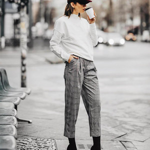 这个冬天比牛仔裤更好搭的竟然是格纹裤,没想到!