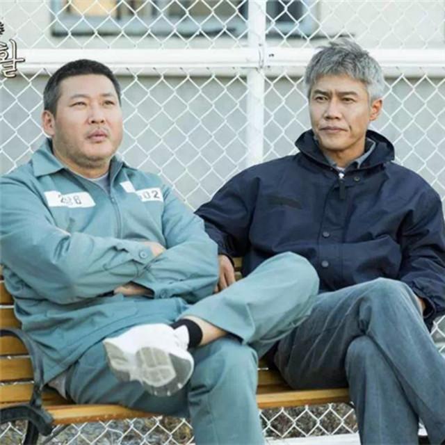 终于等到这部年度韩剧,黑色幽默《机智的监狱生活》为你解构千人千面!