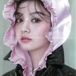 """娜扎的仙鹤牛仔和热巴的毛绒外套,竟然都出自这个""""光头""""中国女孩之手!"""
