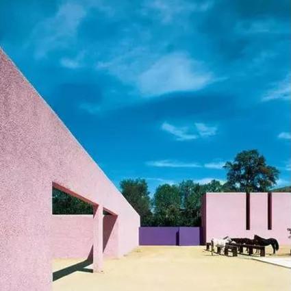 他是墨西哥国宝级建筑大师,却为何不帮害怕孤独的人造房子?