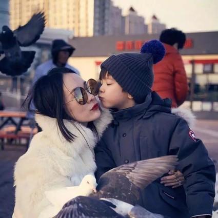 杜江霍思燕教给嗯哼最好的一课,是爸爸妈妈爱彼此也爱生活