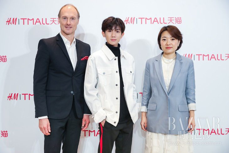 左起:H&M大中华区总经理Magnus Olsson先生,H&M新晋中国区新生代形象代言人王源以及天猫服饰事业部副总裁吕健美女士