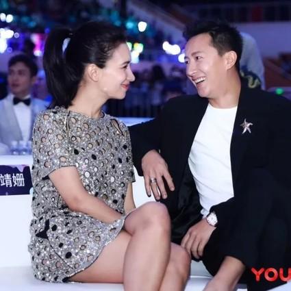 韩庚卢靖姗又发糖,爱就是在全世界镜头面前紧紧握住你的手