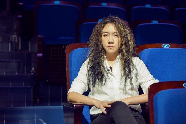 王潮歌导演在剧场