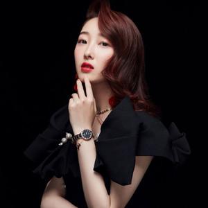 天王表携手蒋梦婕拍摄时尚大片,纵享视觉盛宴!