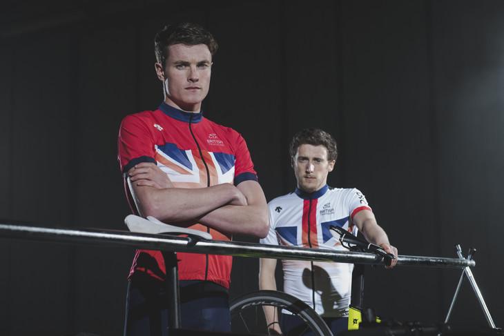英国铁三国家代表队身穿迪桑特2018 CYCLE骑行系列