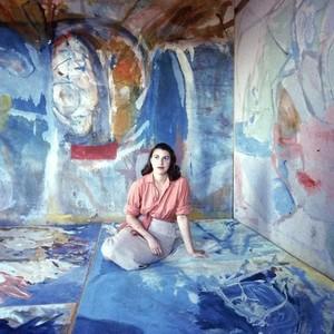 人美钱多有才华,这位纽约艺术界女王,改变了抽象表现主义的历史!