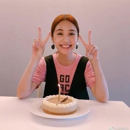李荣浩亲自下厨为杨丞琳庆生,最般配的爱情其实就是相爱!