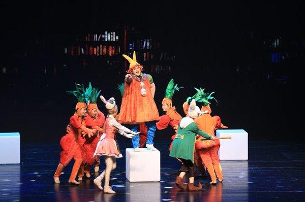 胡萝卜星球现场演出图,哈利兔,可可兔,宝宝兔