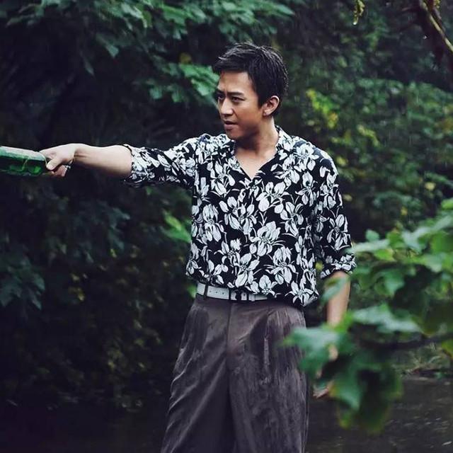 """刘诗诗表姐都在抢邓超一年前穿的""""大佬衬衫""""?"""