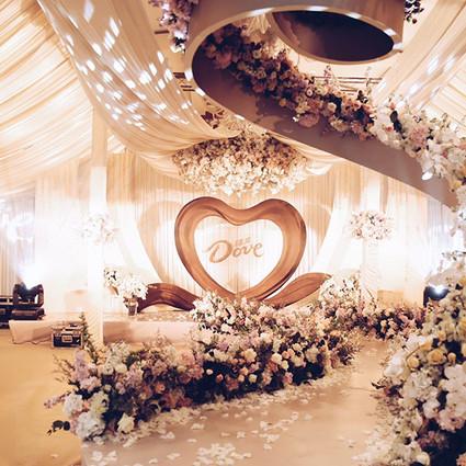 探秘德芙巧克力丝滑婚礼 赴一场甜蜜的爱情之约