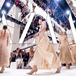 """Dior用71套衣服走回71年前的""""老房子"""",因为有一群人从未离去!"""