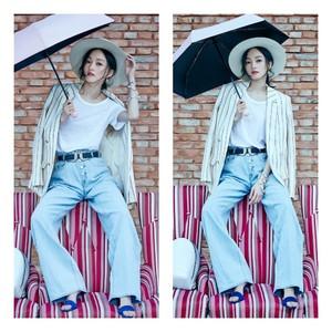 场歌手张韶涵身披ba&sh 18春夏主打款条纹西装 轻松演绎优雅摩登