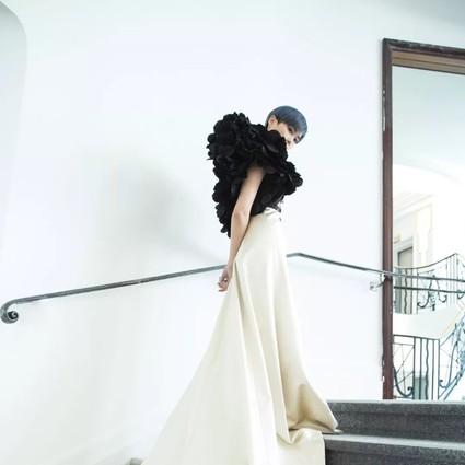 范冰冰李宇春美赢戛纳,但作为大魔王的她却穿了4年前过时的礼服?