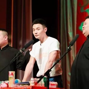 """李荣浩你这双""""大""""眼睛,到底还要承包多久我的笑点?!"""