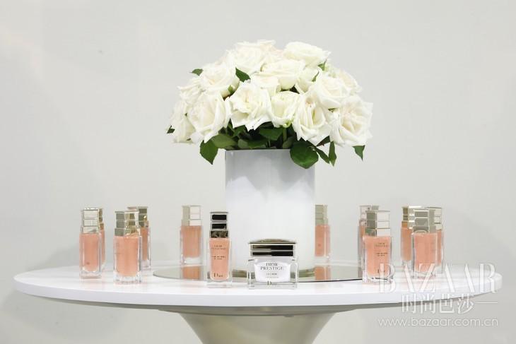 Dior迪奥花蜜活颜丝悦系列臻品分享会产品展示