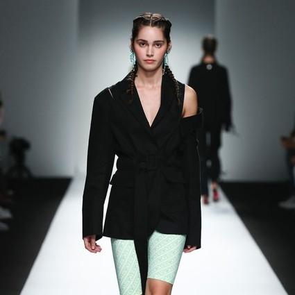 KYE 出生于美国,留学于伦敦,设计师桂韓姬的高时装审美