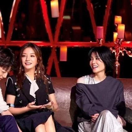 王菲的小动作,那英的外号,赵薇的爆料,这三个女人同台真是一出好戏!