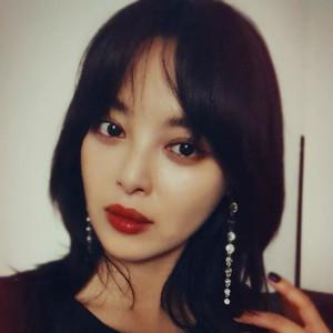 金·爱串门·玉妍·加菲除了爱蹭WiFi,还化了那么好看鼻影!