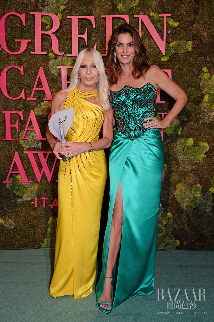 Donatella Versace, winner of The CNMI in Recognition for Sustainability, and Cindy Crawford