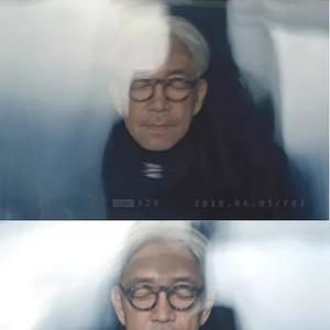 为《荒野猎人》配乐,音乐作品不胜枚举,坂本龙一还是个中国电影迷!