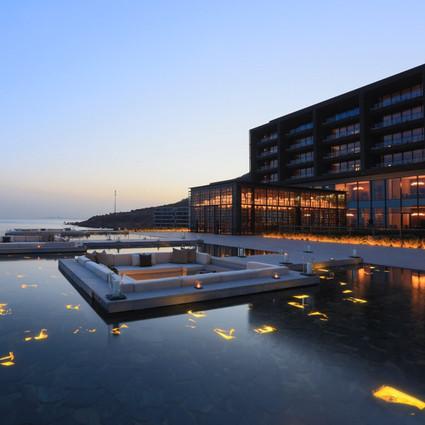 青岛涵碧楼酒店温泉季| 一池暖汤,与家人泡在冬日惬意时光里