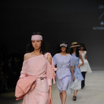 香港DRF带来时装联合秀    时尚酷炫中国国际时装周