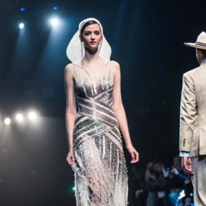 美团点评旗下共享婚纱礼服平台White Honey亮相中国时装周