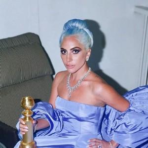 每周时报 | 有人敢抢Lady Gaga 金球奖C位?肯德基喊你来剃头了!