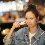 张钧甯吃火锅被谢霆锋狂盯,我更好奇她用的唇膏为什么全程不掉色!