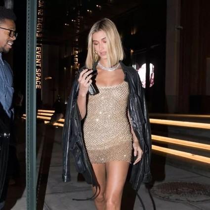 她怎么做到嫁给Bieber,还把自己穿成了超模版Bieber的?