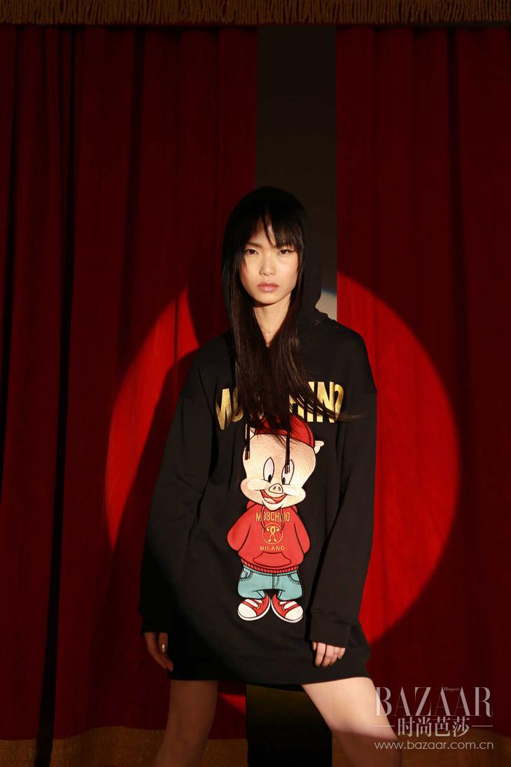 MOSCHINO 2019春节限量系列连帽卫衣裙 RMB 9,090