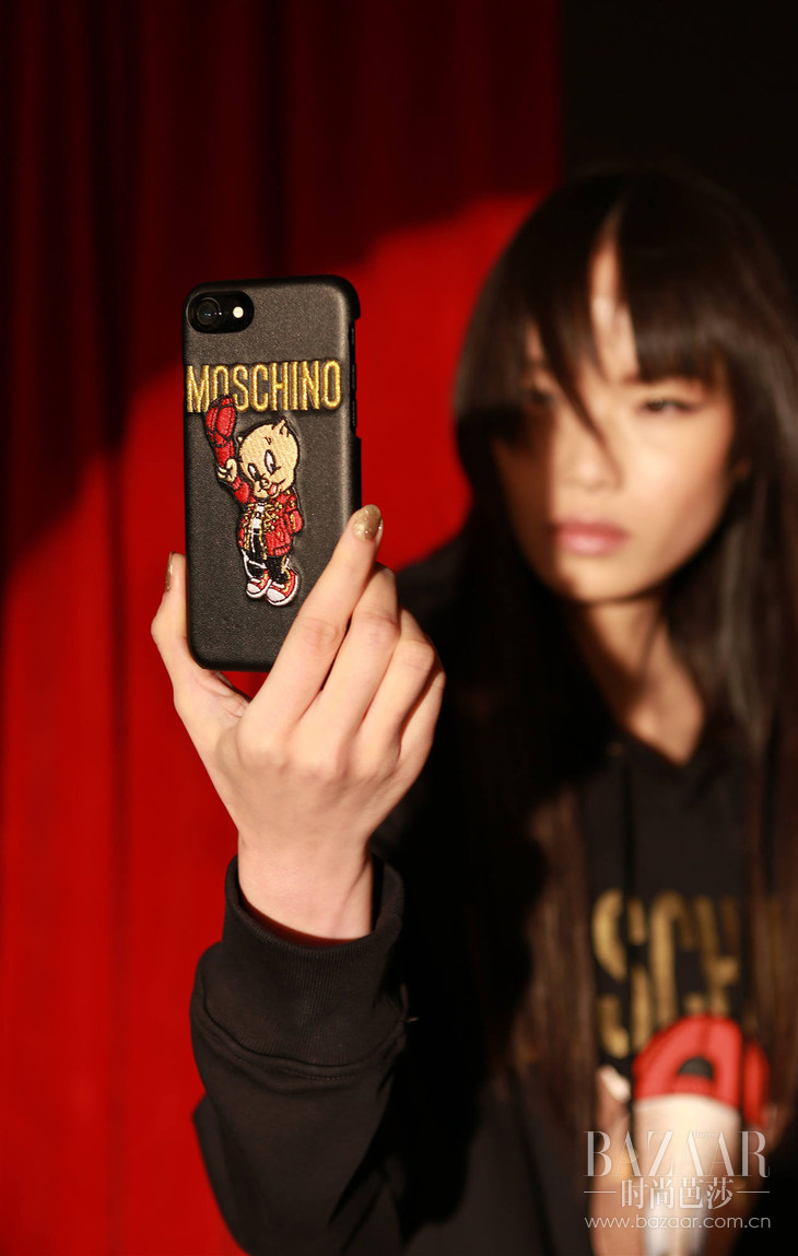 MOSCHINO 2019春节限量系列iPhone手机壳 RMB 590