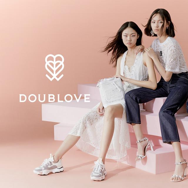 不止是摩登和酷感,DOUBLOVE 2019 春夏系列  还有温柔坚定的时尚态度