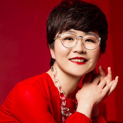 卢燕荣获2018中国风云人物评选第二名